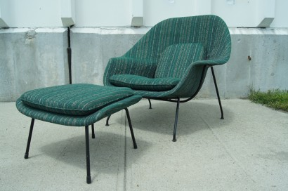 [SOLD] Womb Chair And Ottoman By Eero Saarinen For Knoll