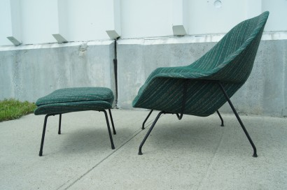 sold womb chair and ottoman by eero saarinen for knoll